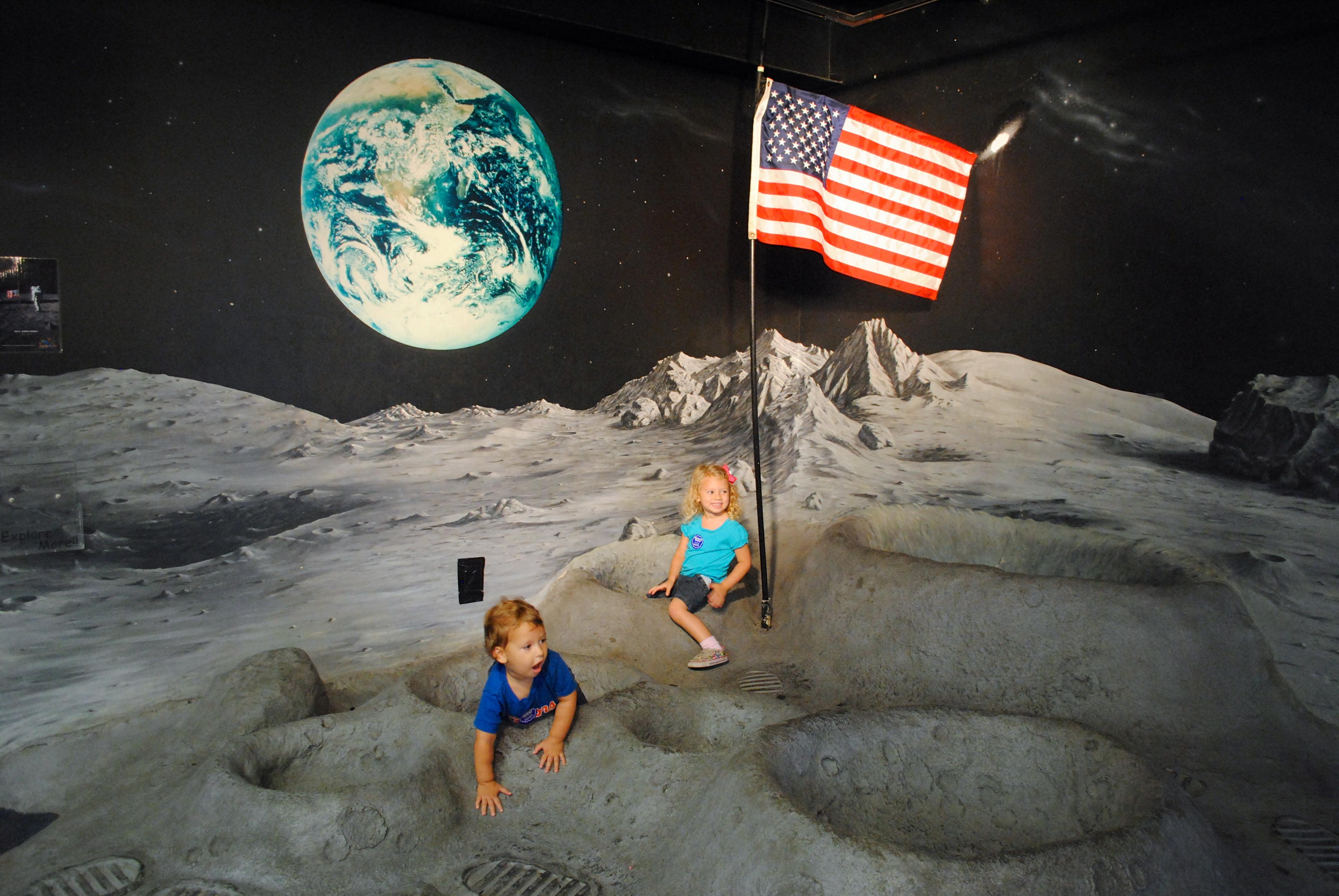 holiday family photo ideas - moon exploration Our Potluck Family