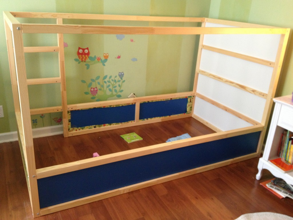 Kura bed built