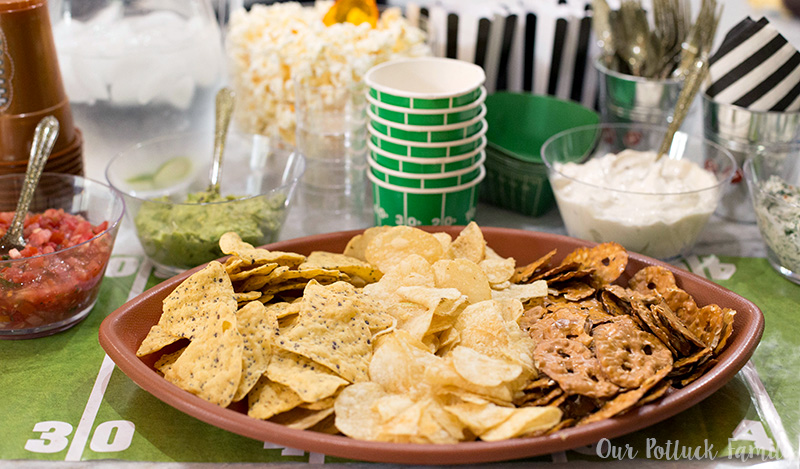 chorales chips and dips inc are 3 piece chip and dip set large bowl for chips and center dip bowl with plastic  lid clear glass dishwasher safe great for holiday or football parties compare.