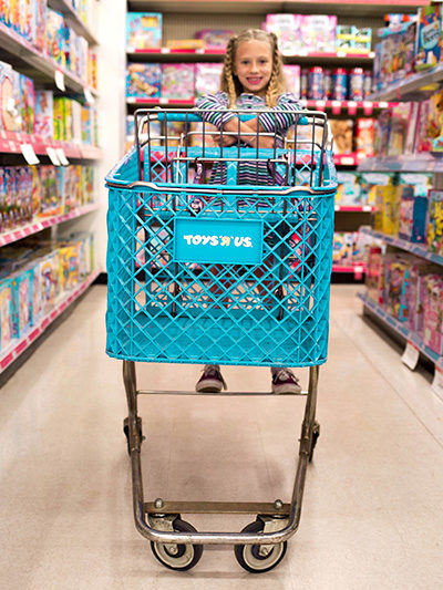 Toys R Us Photo Shoot cart