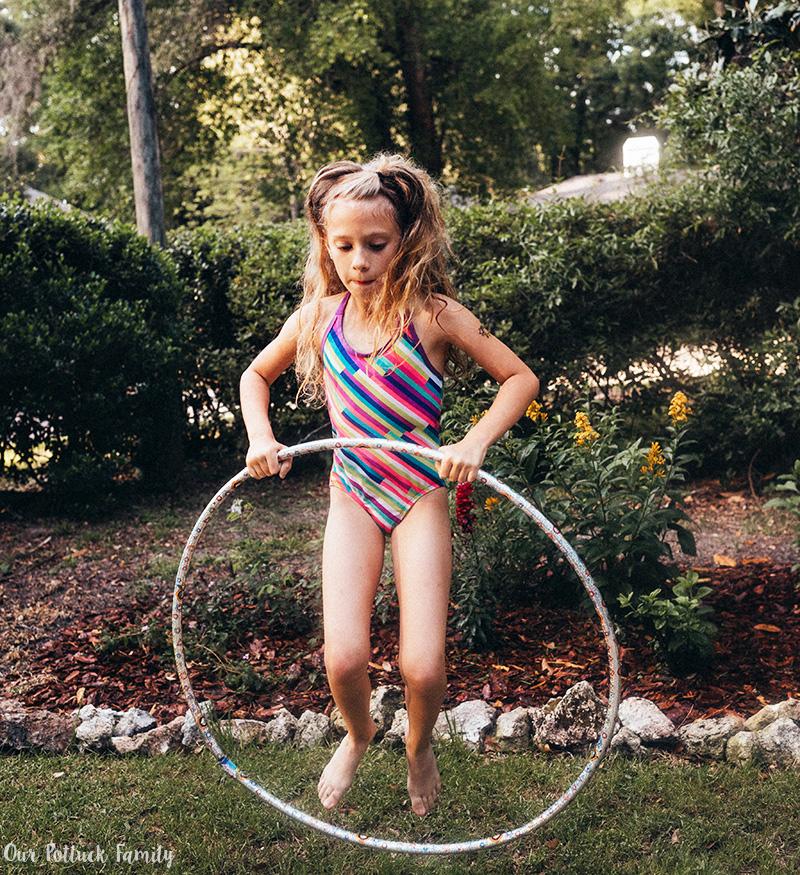 Outdoor Summer Games hula jump