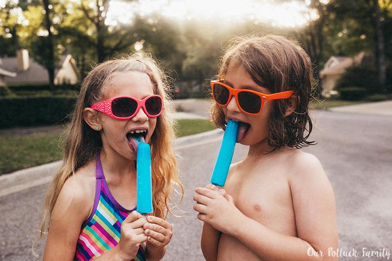 Outdoor Summer Games lick pop