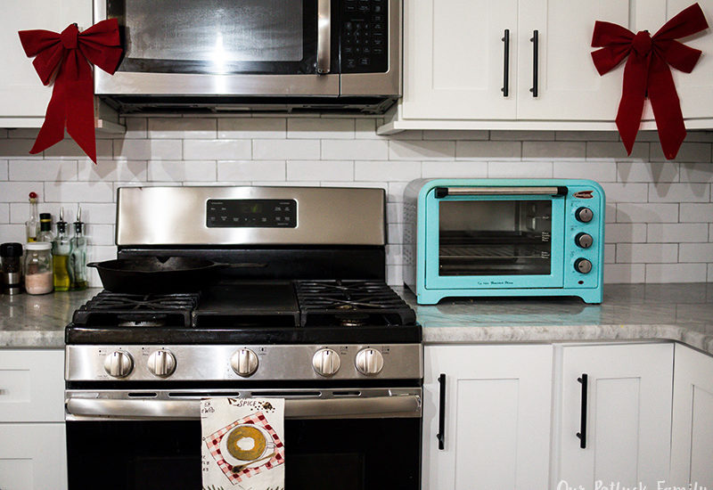 Holiday Kitchen Decorating appliances