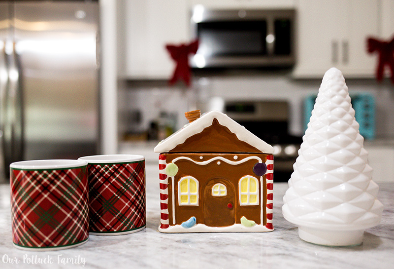 Holiday Kitchen Decorating decorations