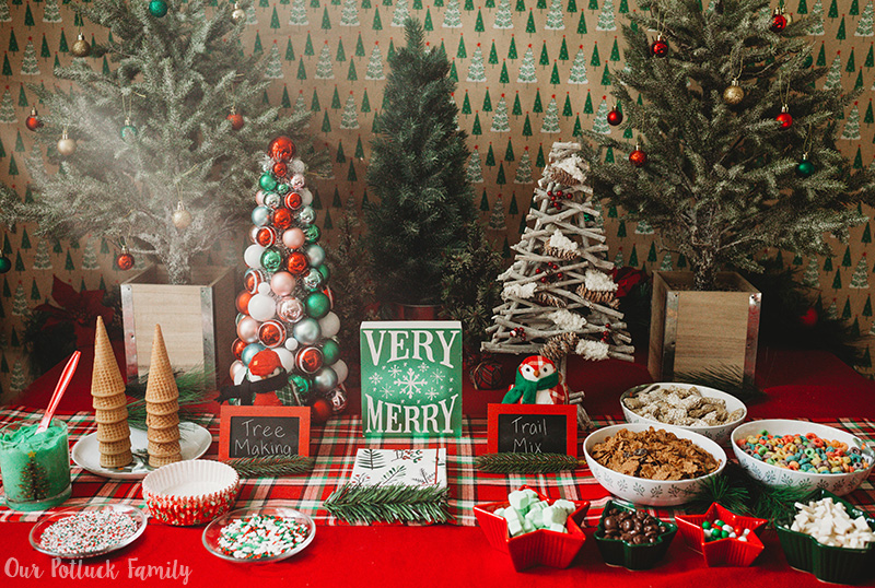 Christmas Tree Party table