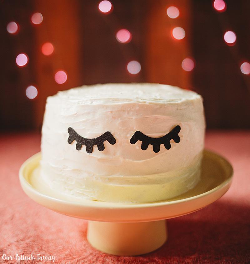 Easy Unicorn Rainbow Cake eyes