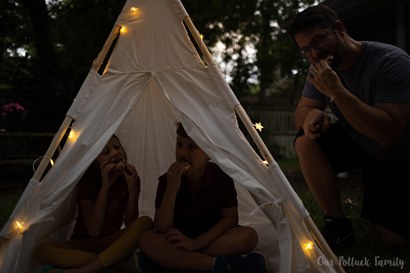 Traditional Campfire S'mores tent