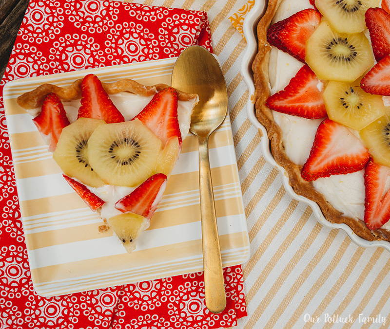 Strawberry Kiwi Cheese Tart served