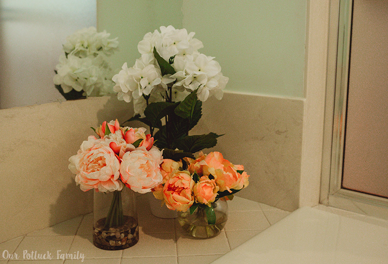 Summer Bathroom Makeover flowers
